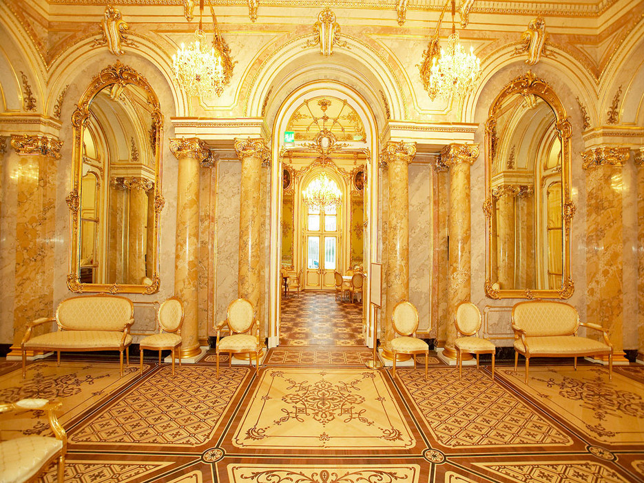 Golden opulence at the Palais Coburg.