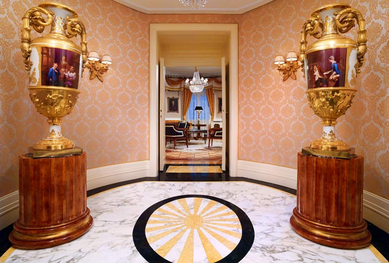 Prince of Wales Suite - Entrance at the Hotel Bristol.